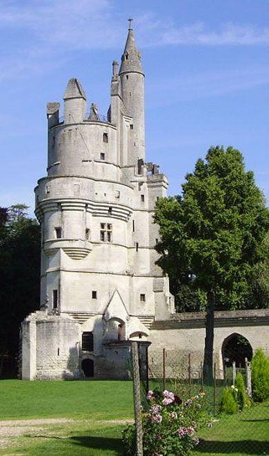 Château de Sepmont situé sur la commune de Sepmont, Aisne, Picardie, France  http://www.pinterest.com/adisavoiaditrev/