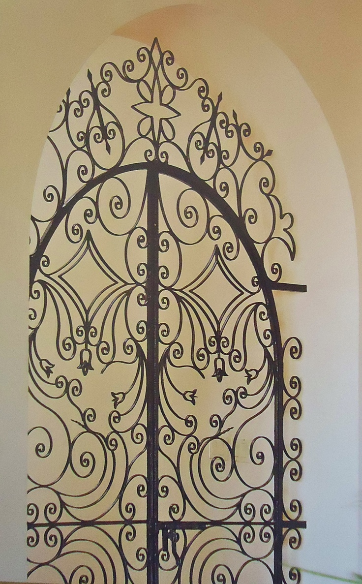 I just had an idea what if you projected a beautiful wrought iron detail onto a & 29 best images about Portao Mariana on Pinterest | Front courtyard ... Pezcame.Com