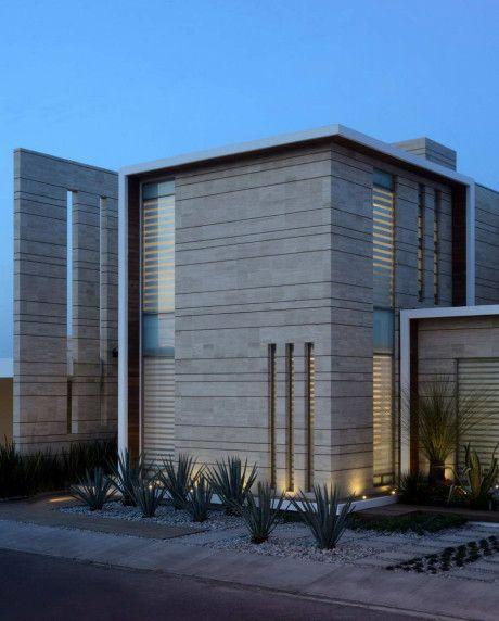 新築住宅の外観アイディア10選 箱型なナウトレンドデザイン: Городской дом в Мексике 7