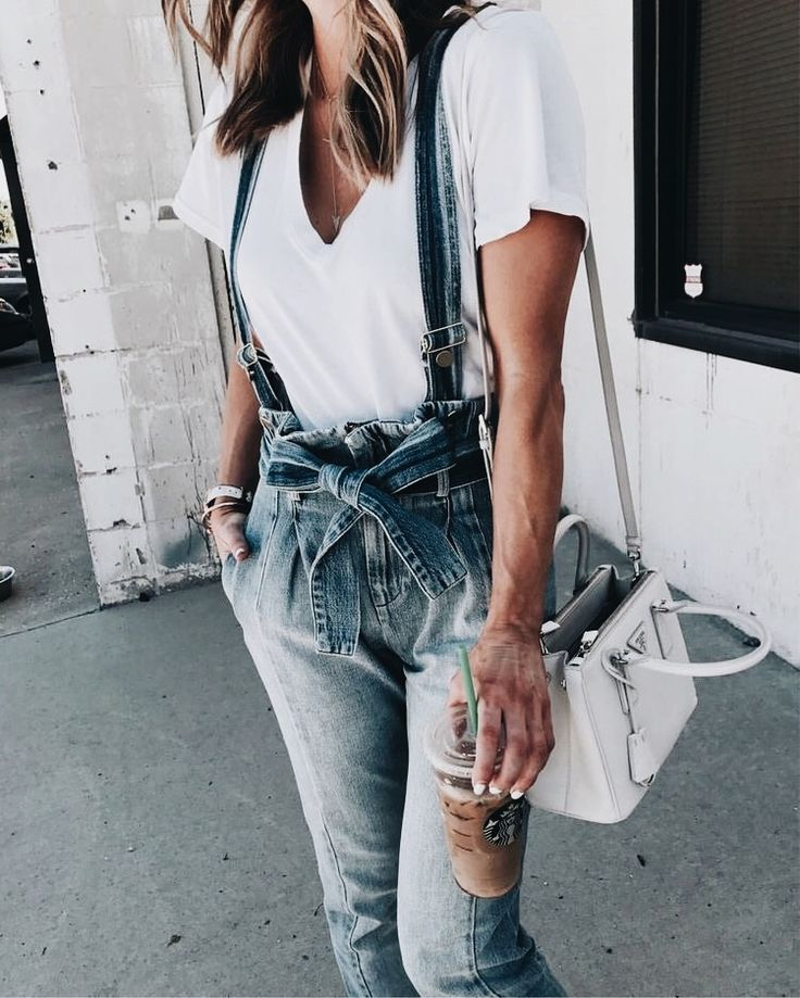 OMG Need this totally cool dungaree style jeans! They look amazing! | Stylish outfit ideas for fashionable women.