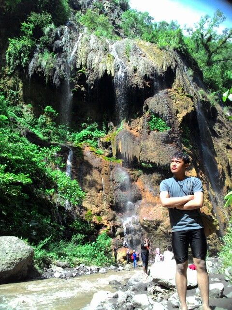 Waterfall in my back. #natural #my live my adventure
