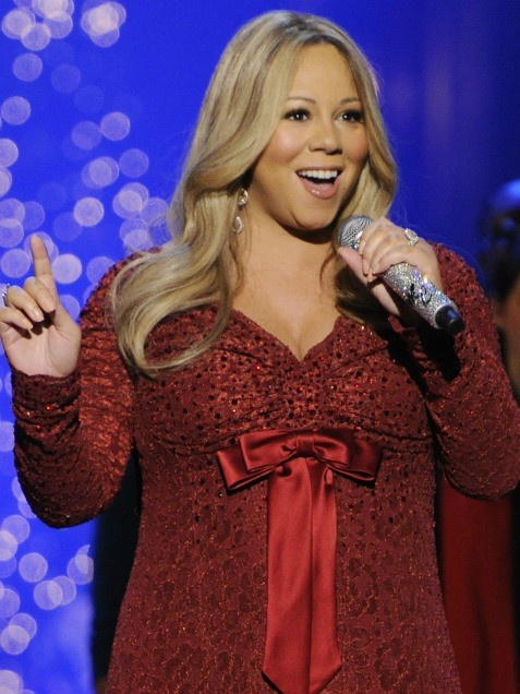 How does a Grammy-winning diva celebrate the big 4-0? By getting pregnant! Amazing! :)