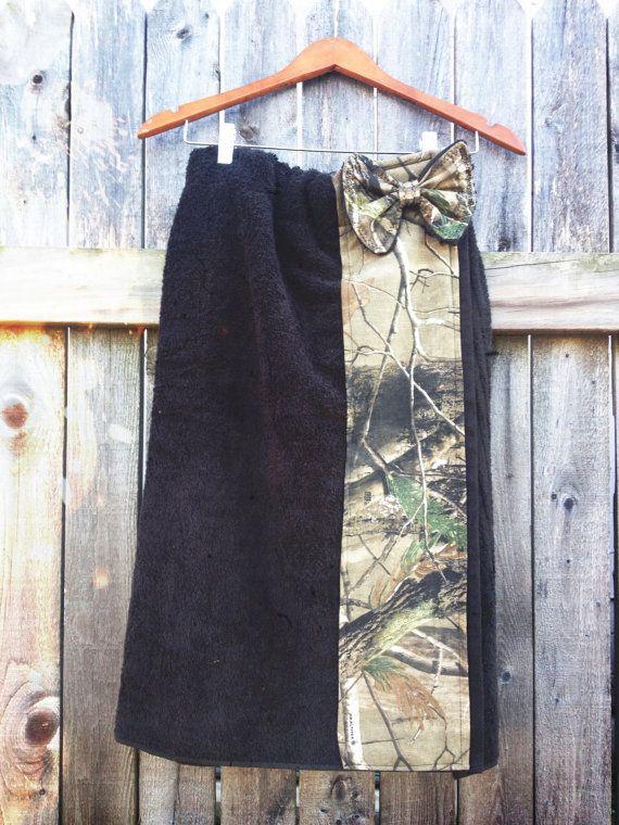 $32.00 Towel Wrap  Bath Robe  RealTree Camo  Black   by plutoandpancakes in Etsy.com