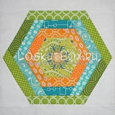 Лоскутный блок шестиугольник в бревенчатой избе