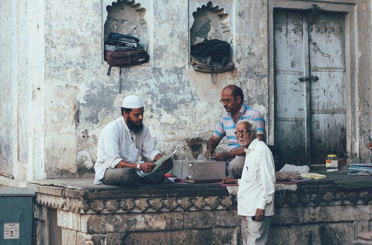 https://flic.kr/p/ssPTiL | The deal | Legal document writer in old city of Ahmedabad