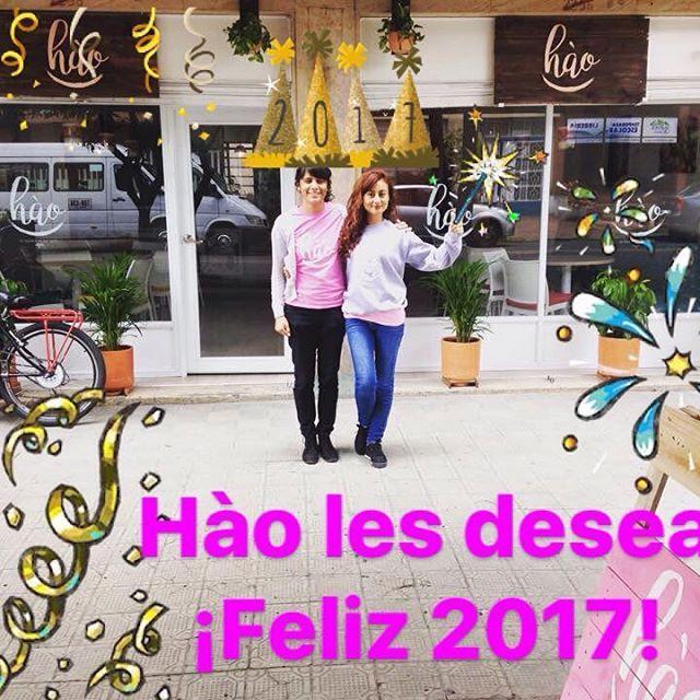 Que el 2017 sea un año maravilloso para cada uno de ustedes. Que en nuestros corazones exista la bondad Y la misericordia hacia todos los seres sensibles. Ánimo, fuerza y mucho amor. Trabajemos por un mundo mejor. Son los deseos de Hào. Feliz Año Nuevo. Los esperamos en Hào a partir de el 10 de enero de 2017 con nuevas sorpresas y mucho amor. Calle 36#24-56. Bogotá #haobogota #vegetariano #veggie #vegetarianosenbogota #felizaño #2017 #añonuevo #dondecomerbogota #buenosdeseos #smoothies…