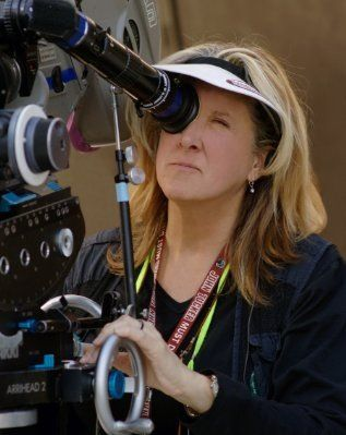 Emmy-award and Directors Guild of America winning director, Betty Thomas | Directing credits include 28 Days, John Tucker Must Die and Dr. Dolittle | Female Director | Women in Film