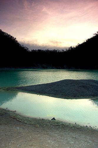 Kawah Putih , Bandung by kuyakuya, via Flickr