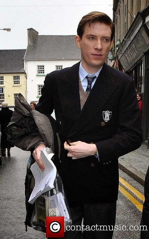 Domhnall Gleeson walking to set on Brooklyn: The book's in the bag.