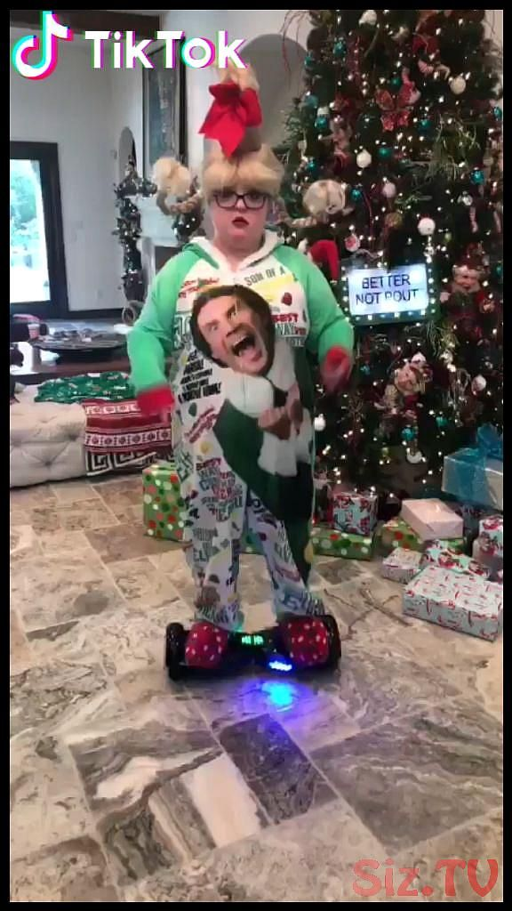 Christmas Humor Get Inspired By The World On Tiktok Today Download Now To Watch More Funny Christmas Videos Humor Christmas Humor Trucs Droles Blague Free