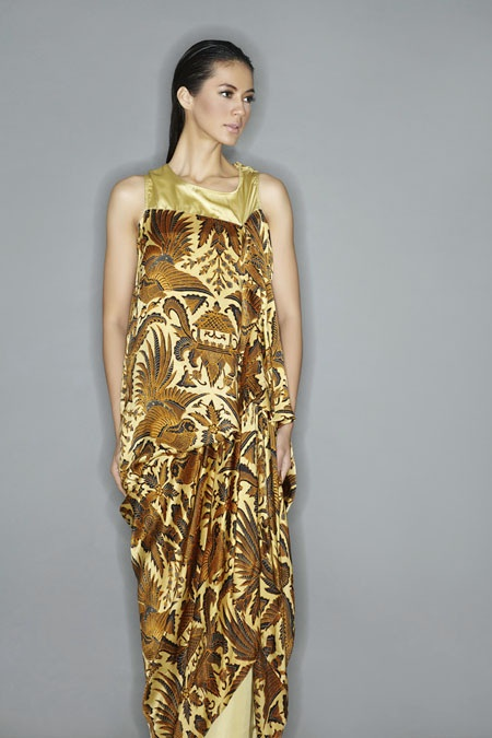 batik dress by Iwan Tirta