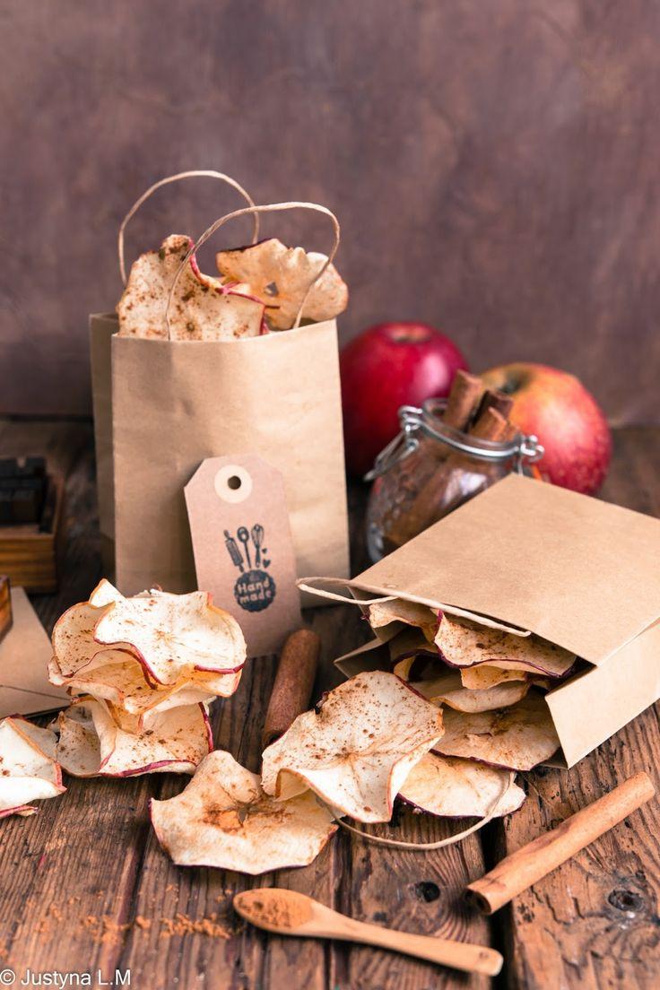 Suszone chipsy jabłkowe z cynamonem - Gotowanie i pieczenie - I love it .