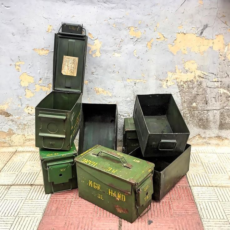 www.potsdam.es C/Santa Marta 6 Pamplona.  Cajas militares metálicas de munición