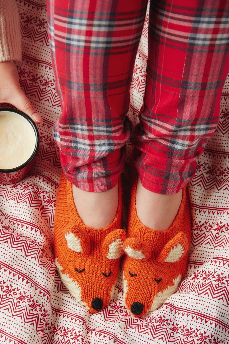 Fox slippers knitting pattern