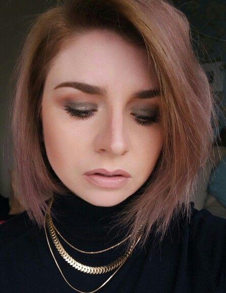 Olive green makeup