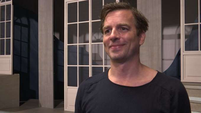 Intervjuer med Elisa Lindström och Christopher Wollter som har huvudrollerna i Sound of Music  på Nöjesteatern i Malmö 2017
