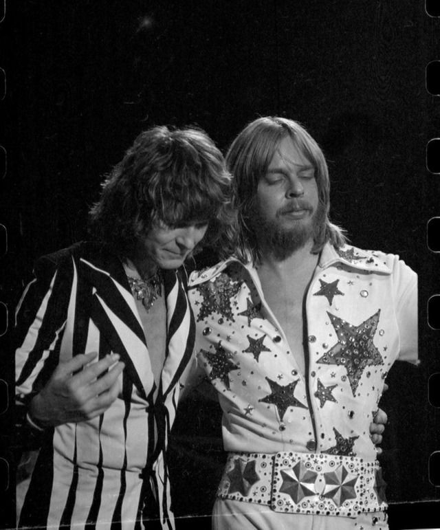 Chris Squire and Rick WakemanWembly, '77