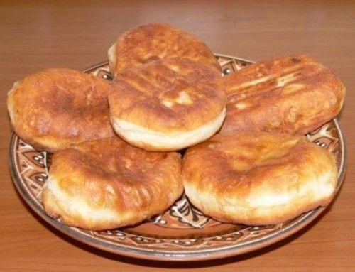 Рецепт быстрых жареных пирожков с курицей и сыром