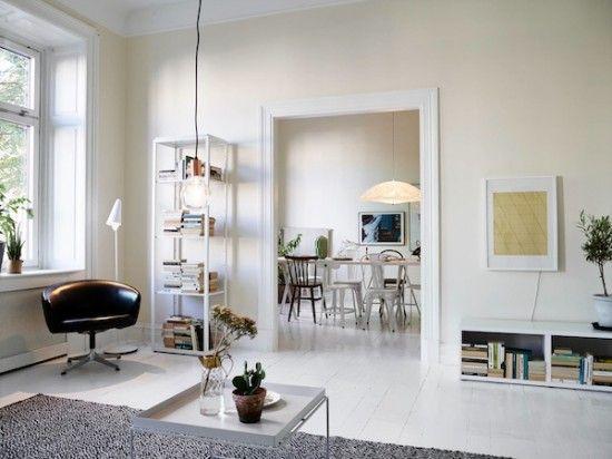 Licht appartement met ovale ramen | Wooninspiratie