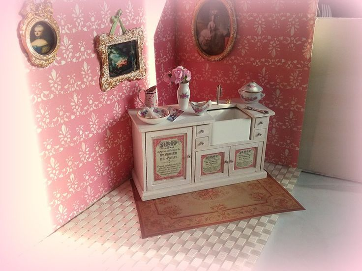 71 best images about shabby dollhouse miniature on pinterest sewing box baroque and pique. Black Bedroom Furniture Sets. Home Design Ideas