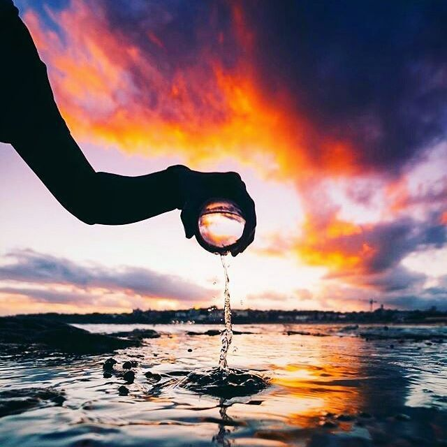 We truly believe that real creative expression starts with looking at yourself first, and telling your personal story - it's humbling to come accross this absolutely extraordinary Lensball capture by @hotherside
