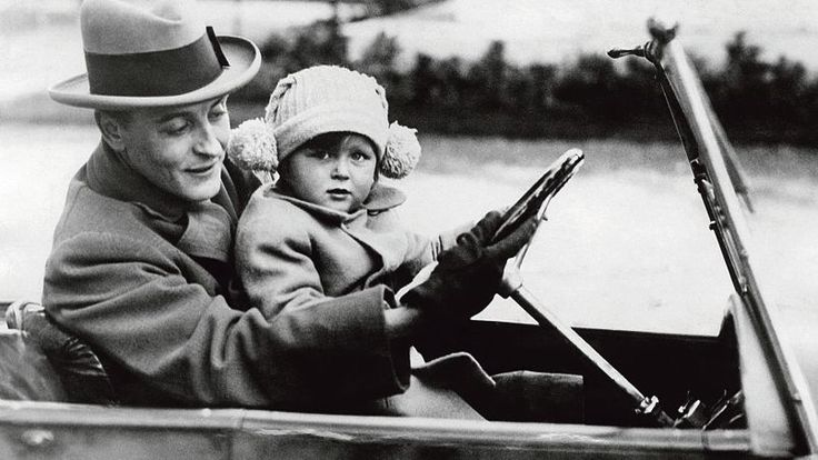 Francis Scott Fitzgerald and his daughter, Scottie, in Rome, 1924.