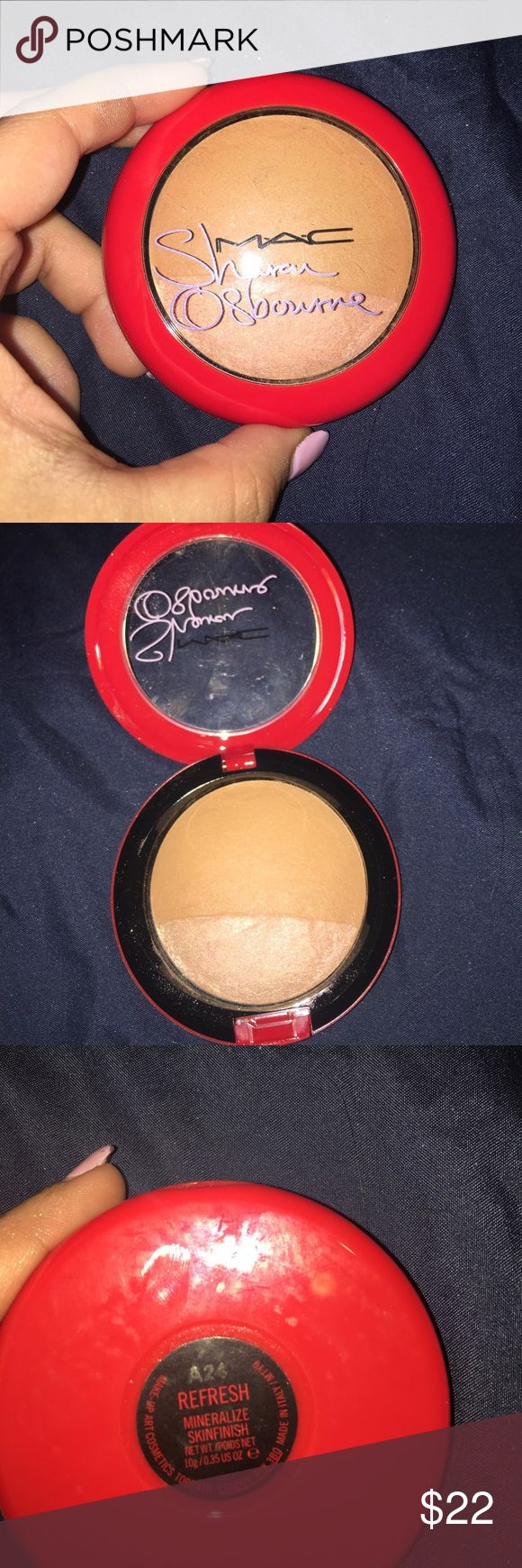 MAC Mineralized Skinfinish Sharon Osbourne Refresh MSF Swatched only in shade Refresh from the Sharon Osbourne collection. MAC Cosmetics Makeup Luminizer