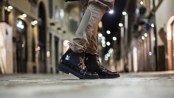 Stivali uomo con rialzo interno in vera pelle italiana. Gli stivali chelsea con rialzo interno sono realizzati a mano da artigiani italiani. Scopri di più: http://disimonecalzature.it/prodotto/scarpe-con-rialzo-uomo/scarpe-rialzate-casual/beatles/  #elevatorshoes #scarpeconrialzo #stivaliuomo #stivaliconrialzo