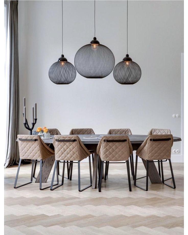 "419 Likes, 13 Comments - b l a n k - s l a t e (@blankslatestudio) on Instagram: ""Divine Dining room by design/architecture firm, Van der Windt.• •  via HOOG.design - location:…"""
