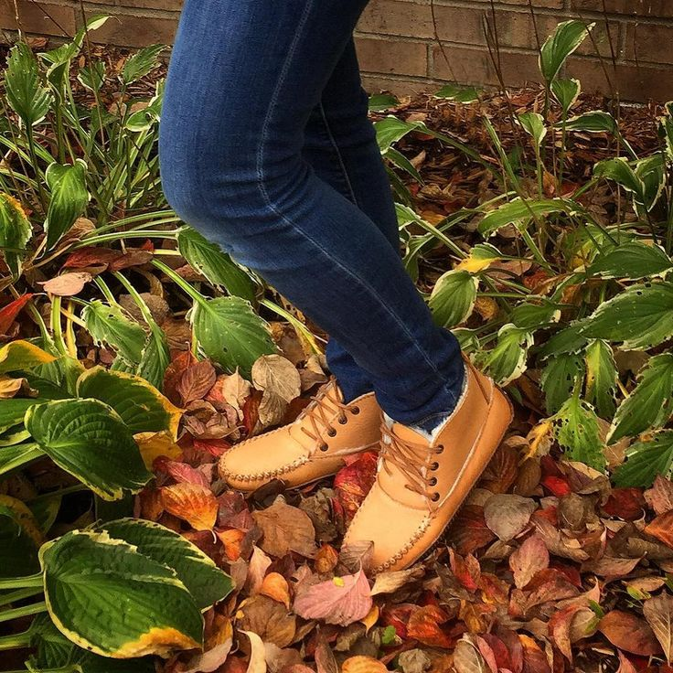 How does one practice #earthing in the fall...one might ask. With sheepskin lined #moccasinboots #anklemoccasins #realsheepskin #earthingshoes #autumn