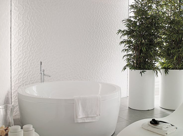 Porcelanosa is here and available exclusively through Tile Warehouse! Featured opposite is Oxo Deco Blanco. For further information, check out our website www.tilewarehouse...