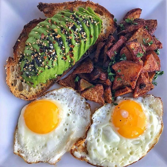 YUMMY RECIPE! Sourdough Avocado Toast with 2 Fried Eggs & Crispy Chili Lime Potatoes @kalefornia_kitchen  #breakfast #breakfastlover #toast #toastlover #avocado #avotoast #avolover #friedegg #potatoes #brunch #food #foodtime #foodlover #foodporn #foodpics #foodphotography #foodgram #instafood #foodies #deliciousfood #healthyfood #yahoofood #yummy #gluttony #coolinaria (instalink http://ift.tt/2DGkXsv) by coolinaria.es Food Foods Foodies foodie foodporn foodstagram foodlover foodspotting…