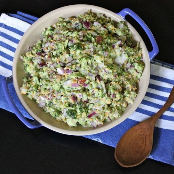 Broccoli Salad. Use chopped broccoli, red onion, match stick carrots, red cabbage & added 2 bags of Crasins & 2 bags of real bacon bits. With dressing.Sauces Recipe, Onions, Side Dishes, Red Wine, Broccoli Salad, Yummy, Img3397, Food Recipe, Broccoli Slaw Salad
