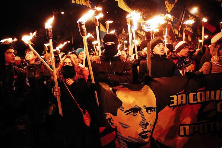 Le culte du collabo hitlérien #Bandera en #Ukraine, #nazis alliés de l'#UE