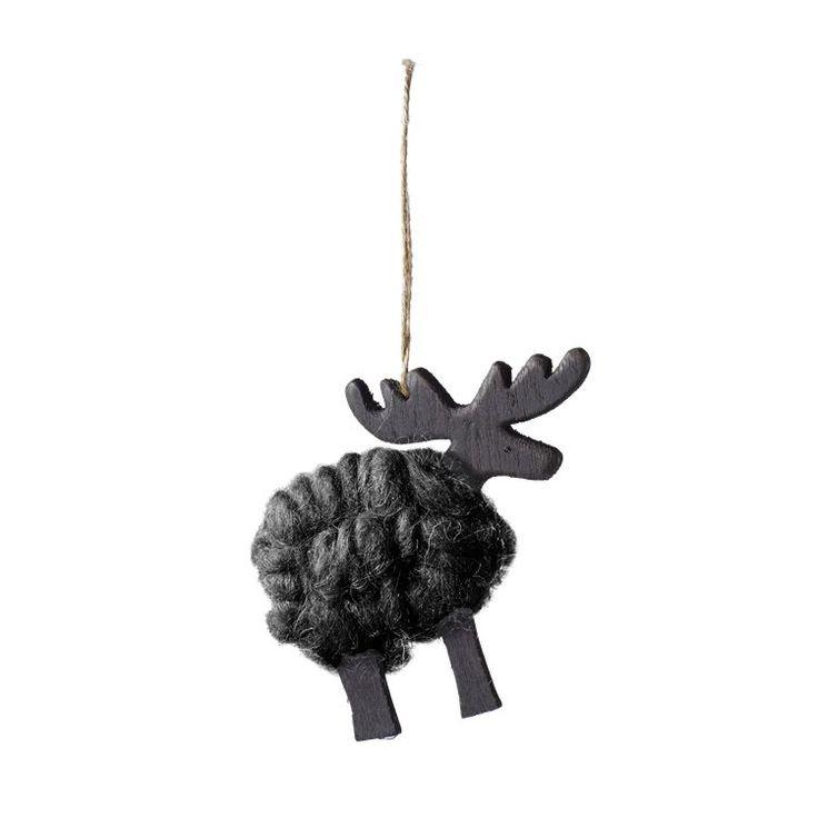 I wool serien har Bolia design team samlet nogle af de mest klassiske kendetegn ved jul, som rensdyr, stjerne, hjerte og juletræ. Disse er blevet pakket ind i det blødeste uld og kan nu pynte selv det mest minimalistiske hjem op til jul.