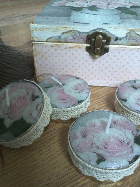 Waxine lichtjes.Het decoreren van kaarsen of waxinelichtjes is geen nieuw idee. Omdat ik veel vragen krijg over de werkwijze heb ik onderstaand uitleg neergezet over het decoreren van waxinelichtjes met servetten.