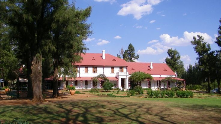 The building of the house (called Zwartkoppies Hall) started in mid-1885. The original house consisted of 7 rooms and a passage