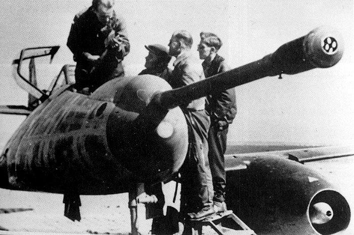 Pin By Jonathan Washam On Aircraft Messerschmitt Me 262 Messerschmitt Luftwaffe