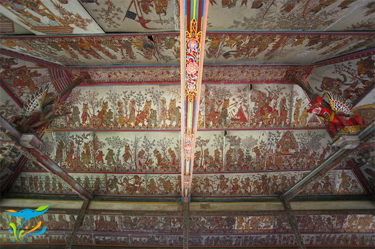 Langit-langit Bale Kambang dengan lukisan wayang khas Desa Kamasan yang menggambarkan kisah kepahlawanan Sutasoma.
