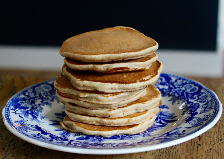 These Apple Pikelets made with spelt flour are a favourite afternoon treat. Whisk a few ingredients in a bowl and cook spoonfuls of batter in a hot frying pan. They won't last long! www.cookfasteatslow.com