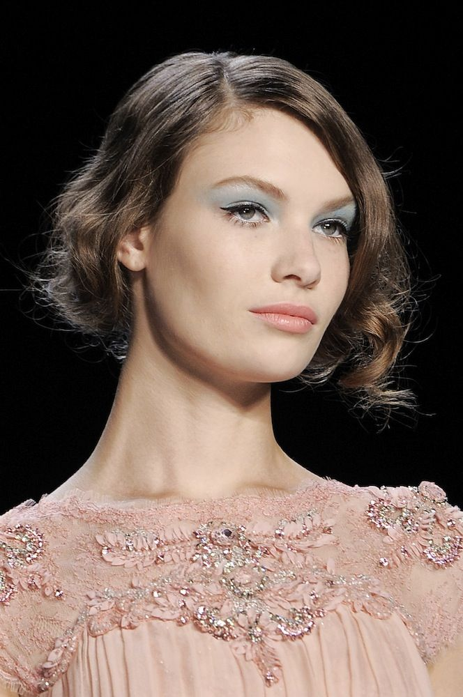 Disco Glam: Spring's 70s Beauty Trend - theFashionSpot