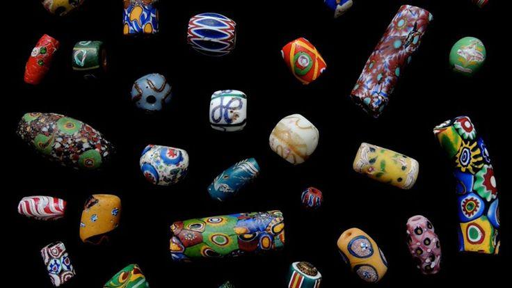 Exposition de perles de verre par Márcia de Castro et Guy Maurette - Festival des Métiers d'Art de Deauville