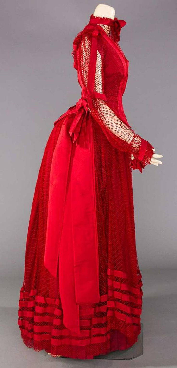 Lot: BLOOD RED PARTY GOWN, PITTSBURG, PA. c. 1890, Lot Number: 0283, Starting Bid: $100, Auctioneer: Augusta Auctions, Auction: COUTURE, HISTORIC & VINTAGE CLOTHING AUCTION, Date: May 10th, 2017 AEST