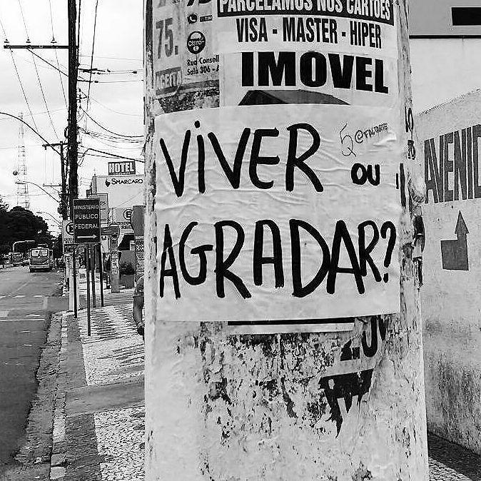 #Repost @faltarte ・・・ Feira de Santana, BA. #faltarte #oqueasruasfalam #lambelambe #olheosmuros #viver #streetart #feiradesantana #bahia #arteurbana http://ift.tt/2pPUxNs