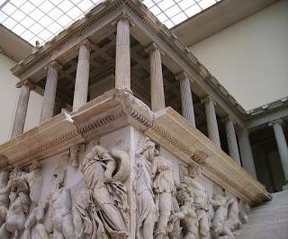 El Altar de Zeus y de Atenea | LA SABIDURIA DE GRECIA