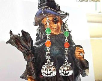 Lunghi orecchini pendenti pietre dure zucca orecchini, orecchini di fascino di Halloween, Wicca orecchini di giada, Jack O Lantern, pagana, All Hallows Eve