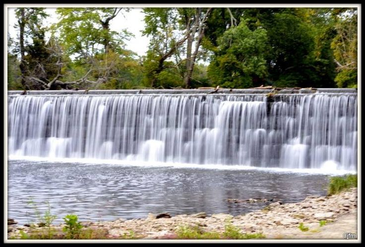 Looking for a good spot for fishing, kayaking or camping in the Central Kentucky area? The Forks of Elkhorn and surrounding area has it! Elkhorn Campground and Stillwaters Campground are nearby. Canoe Kentucky offers canoeing and kayaking for all ages. Pictured: Dam at Forks of Elkhorn, Frankfort, Ky by Janet McClanahan #kentucky #fishing #camping #kayaking