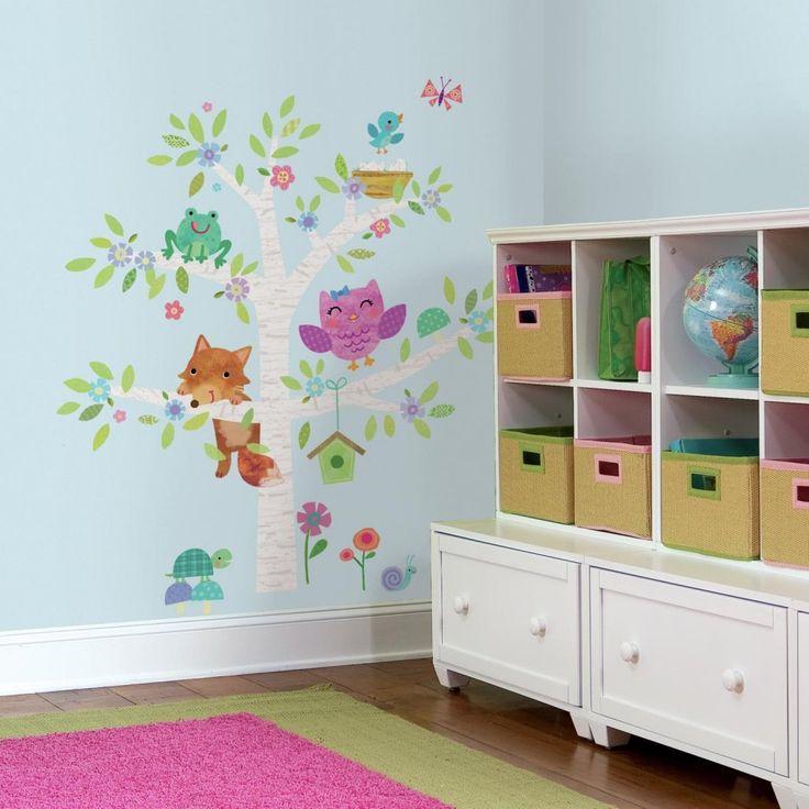 Gullig väggdekor för barn och barnrum med djur och träd