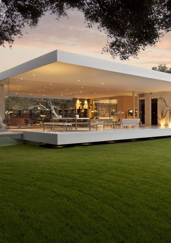 The most minimalist house ever designed the glass for Luxury minimalist house