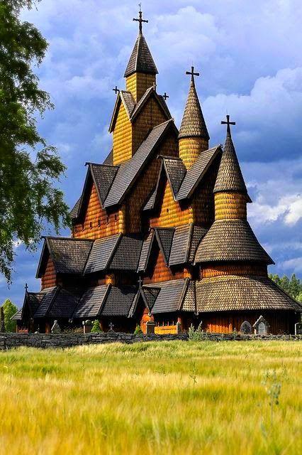 Iglesia de madera de Heddal en Telemark, Noruega